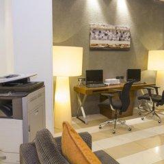 Отель Legacy Express Sukhumvit by Compass Hospitality интерьер отеля фото 3