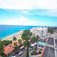 Отель High Tides Beach Studio Ямайка, Монтего-Бей - отзывы, цены и фото номеров - забронировать отель High Tides Beach Studio онлайн пляж