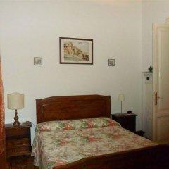 Отель Guesthouse La Briosa Nicole Генуя сейф в номере
