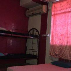 Отель Awys Backpackers сейф в номере