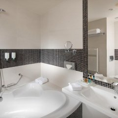 Отель Holiday Inn Congress Center Прага ванная фото 2