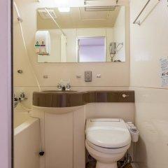 Отель OYO Hotel Toyama Joshi Koen Япония, Тояма - отзывы, цены и фото номеров - забронировать отель OYO Hotel Toyama Joshi Koen онлайн ванная фото 2