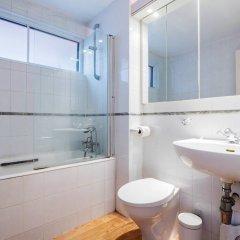 Отель Peaceful in Primrose Hill Великобритания, Лондон - отзывы, цены и фото номеров - забронировать отель Peaceful in Primrose Hill онлайн ванная