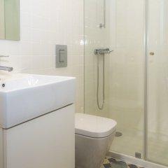 Отель Liiiving in Porto - Central Garden Flat Порту ванная