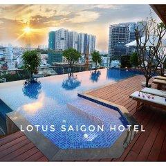 New Epoch Hotel бассейн
