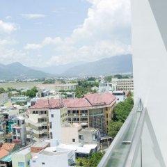 Отель Nhi Phi Hotel Вьетнам, Нячанг - отзывы, цены и фото номеров - забронировать отель Nhi Phi Hotel онлайн балкон