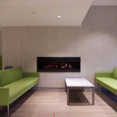 Отель Chestnut Residence and Conference Centre - University of Toronto интерьер отеля фото 2
