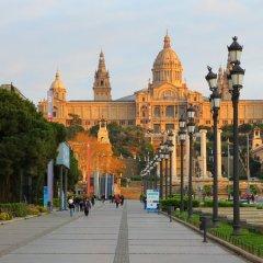 Отель Crowne Plaza Barcelona - Fira Center Испания, Барселона - 3 отзыва об отеле, цены и фото номеров - забронировать отель Crowne Plaza Barcelona - Fira Center онлайн приотельная территория фото 2