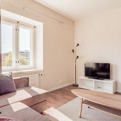 Апартаменты Local Nordic Apartments - Brown Bear Ювяскюля комната для гостей фото 5