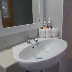 Отель Villa Cha Cha Rambuttri Бангкок ванная фото 2