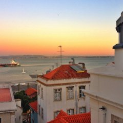 Отель Artist Studio - Alfama Old Town Португалия, Лиссабон - отзывы, цены и фото номеров - забронировать отель Artist Studio - Alfama Old Town онлайн пляж