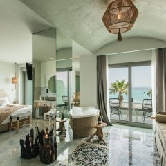 Отель Blue Carpet Luxury Suites Греция, Ханиотис - отзывы, цены и фото номеров - забронировать отель Blue Carpet Luxury Suites онлайн комната для гостей фото 4