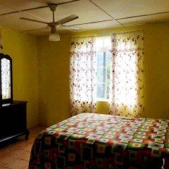 The blue Lagoon Hostel & Private Rooms комната для гостей
