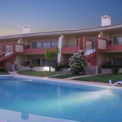 Отель Green Villas бассейн