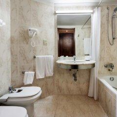 Отель Neat Hotel Avenida Португалия, Понта-Делгада - 1 отзыв об отеле, цены и фото номеров - забронировать отель Neat Hotel Avenida онлайн ванная фото 3