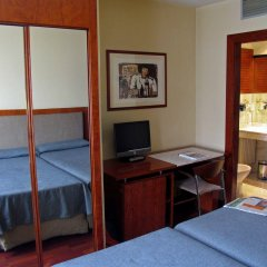 Отель Husa Pedralbes Испания, Барселона - отзывы, цены и фото номеров - забронировать отель Husa Pedralbes онлайн удобства в номере фото 2