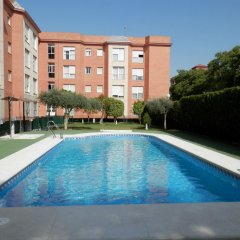 Отель Apartamentos Vértice Bib Rambla Испания, Севилья - отзывы, цены и фото номеров - забронировать отель Apartamentos Vértice Bib Rambla онлайн бассейн