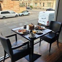 Отель Lorne Hotel Великобритания, Глазго - отзывы, цены и фото номеров - забронировать отель Lorne Hotel онлайн балкон