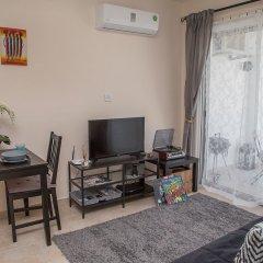 Апартаменты Paphos Love Hut Apartment комната для гостей фото 3