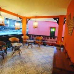 Отель Focal Local Bed and Breakfast гостиничный бар