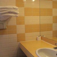 Отель Budget Dam Hotel Нидерланды, Амстердам - отзывы, цены и фото номеров - забронировать отель Budget Dam Hotel онлайн ванная