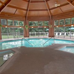 Отель Quality Inn США, Радфорд - отзывы, цены и фото номеров - забронировать отель Quality Inn онлайн бассейн фото 3