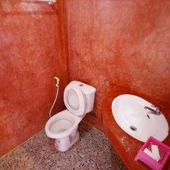 Отель Insook Ko Larn Guesthouse ванная