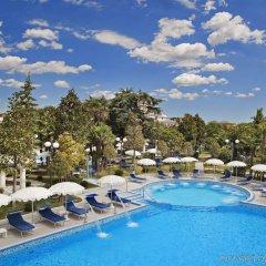 Отель Grand Hotel Trieste & Victoria Италия, Абано-Терме - 2 отзыва об отеле, цены и фото номеров - забронировать отель Grand Hotel Trieste & Victoria онлайн бассейн фото 3