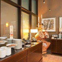 Отель DoubleTree by Hilton New York Downtown питание