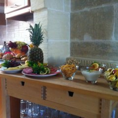 Отель Gozo Hills Bed and Breakfast питание фото 2
