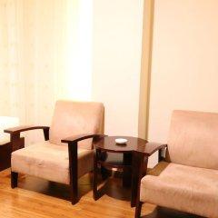 Отель Guangdong Baiyun City Hotel Китай, Гуанчжоу - 12 отзывов об отеле, цены и фото номеров - забронировать отель Guangdong Baiyun City Hotel онлайн балкон