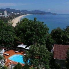 Отель On The Hill Karon Resort пляж фото 2