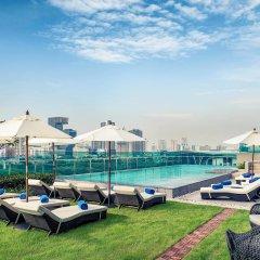 Отель Mercure Bangkok Makkasan бассейн