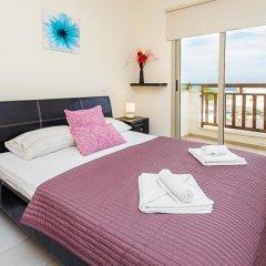 Отель Oceanview Luxury Villa 077 Кипр, Протарас - отзывы, цены и фото номеров - забронировать отель Oceanview Luxury Villa 077 онлайн комната для гостей фото 2