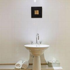 Отель Antwerp 64 Антверпен ванная
