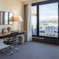 Отель Warwick Geneva удобства в номере