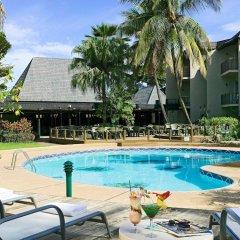 Отель Mercure Nadi бассейн фото 3
