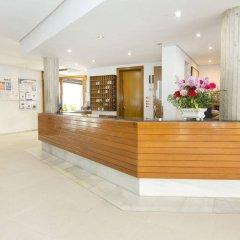 Отель Aparthotel Flora Испания, Полленса - 1 отзыв об отеле, цены и фото номеров - забронировать отель Aparthotel Flora онлайн интерьер отеля фото 2