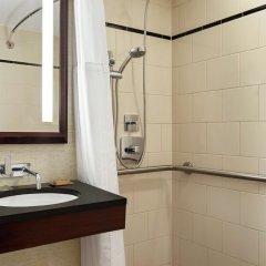 Отель DoubleTree by Hilton New York Downtown ванная фото 2