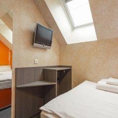 Отель easyHotel Budapest Oktogon Венгрия, Будапешт - 6 отзывов об отеле, цены и фото номеров - забронировать отель easyHotel Budapest Oktogon онлайн комната для гостей фото 2