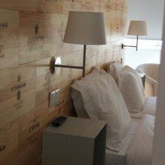 Отель Decanting Porto House сейф в номере