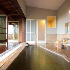 Отель Kusayane no Yado Ryunohige Япония, Хидзи - отзывы, цены и фото номеров - забронировать отель Kusayane no Yado Ryunohige онлайн ванная