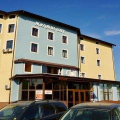 Hotel & Restaurant Zhuliany City парковка