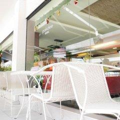 Отель Pakdee Bed And Breakfast Бангкок бассейн