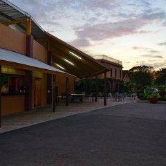 Отель Donway, A Jamaican Style Village Ямайка, Монтего-Бей - отзывы, цены и фото номеров - забронировать отель Donway, A Jamaican Style Village онлайн парковка