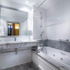 Отель Le Lavoisier Париж ванная