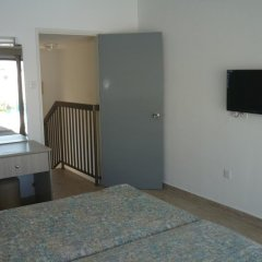 Penelope Beach Hotel Протарас удобства в номере