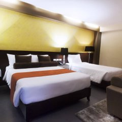 Grace Crown Hotel сейф в номере