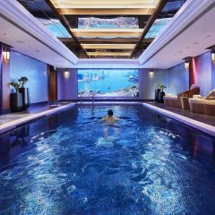 Отель Mandarin Oriental, Hong Kong бассейн