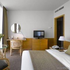 Отель K+K Hotel Fenix Чехия, Прага - 4 отзыва об отеле, цены и фото номеров - забронировать отель K+K Hotel Fenix онлайн комната для гостей фото 2